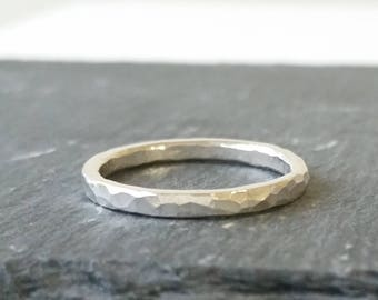 Sterling Silver Hammered band ring.