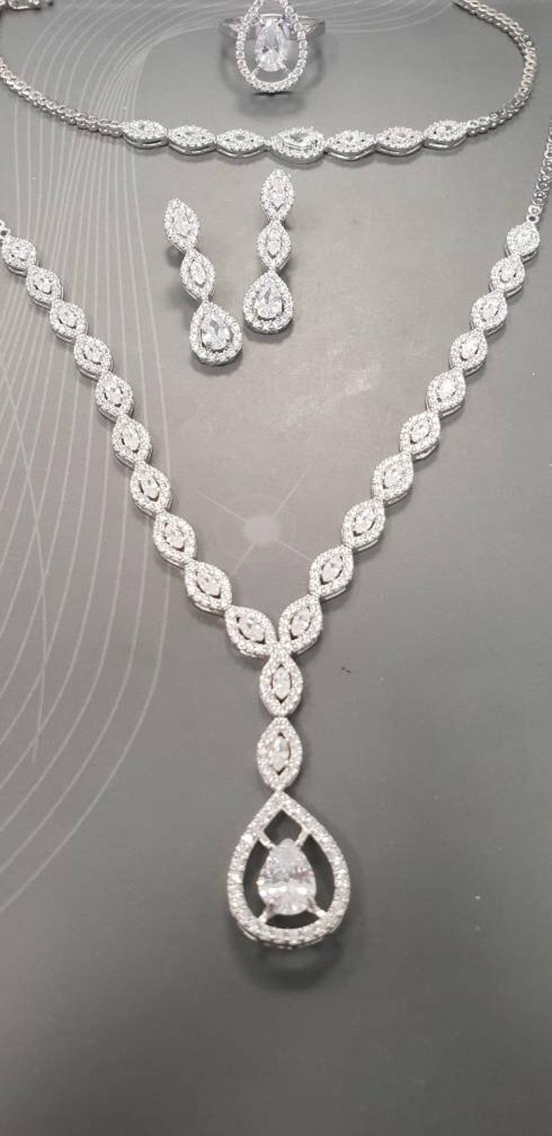 b41f3931e2 Tropfen-Diamant-Schmuck Silberkette tropfenförmige Ohrringe | Etsy