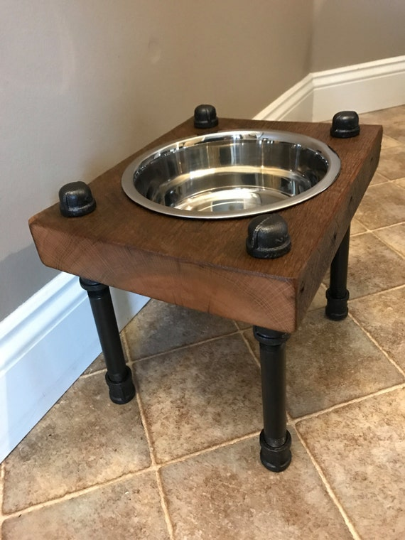 Single bowl feeder