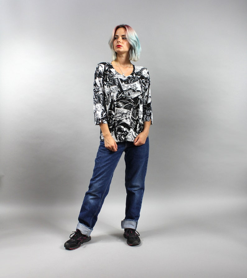 Grunge Long Sleeve Hipster T shirt 80s Elephant Tiger Giraffe Graphic Mod Top Sz M Vintage Black White Jungle Animals Print Blouse L