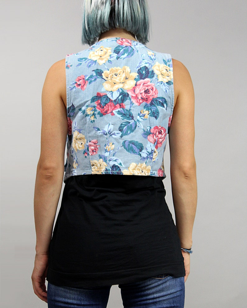 XS  S Festival Light Blue Jean Waistcoat 90s Floral Cropped Fitted Denim Vest