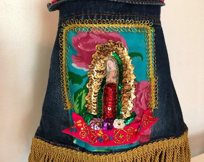 Chamarra de mezclilla folklorica para perro/ Chamarra de mezclilla Mexicana/ Chamarra de mezclilla hecha a mano de la Virgen de Guadalupe