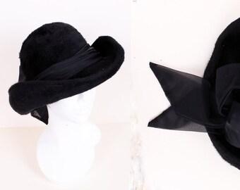 5f69d3a686b38 Vintage Late 1960 s Early 1970 s Fluffy Back Wool Felt Deep Crown Chiffon  Trim Fedora Hat by Bermona Size Small   Medium