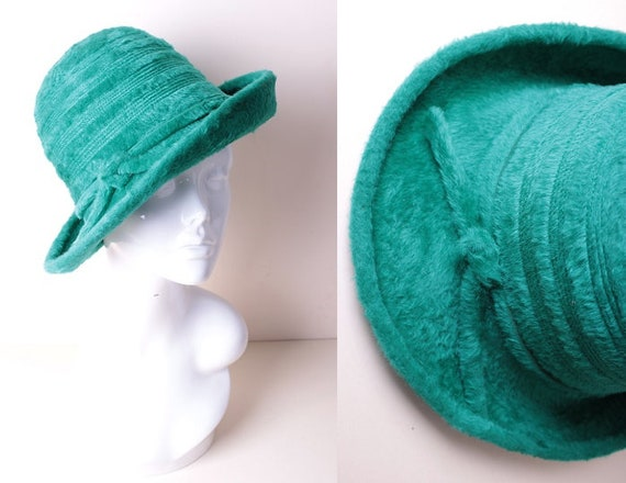 d6c22038852 Vintage 60s   70s Bright Jade Green Fluffy Wool Felt Fall