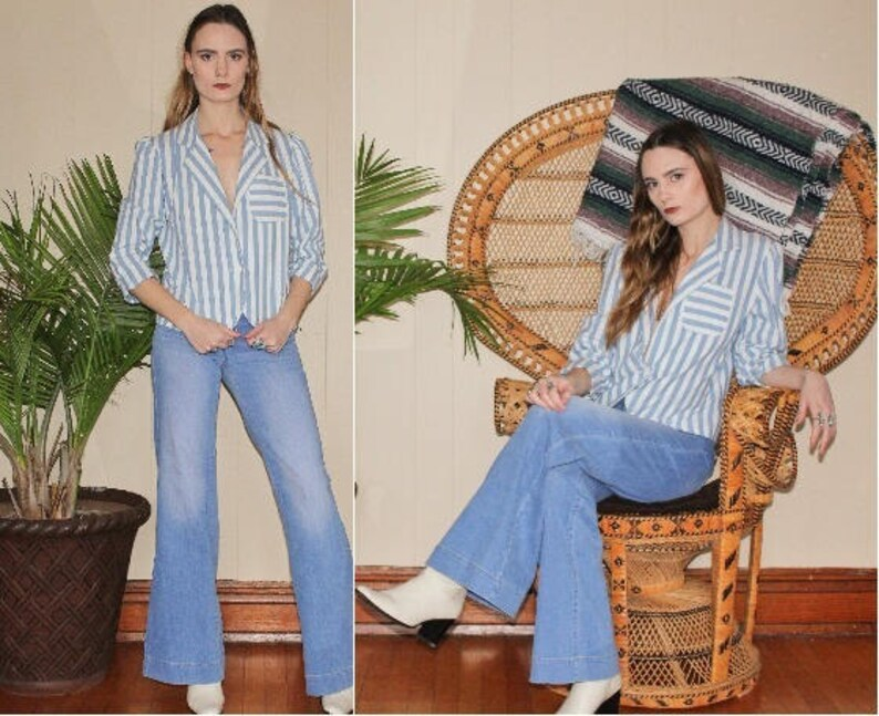 vintage 1970s blue /& white striped blazer  button up notched collar  fitted suit coat  long sleeves crop jacket  size S M