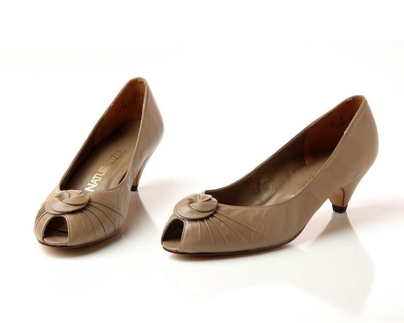 quality design los angeles best prices Vintage Tan Peeptoe Pumps / 1980s Kitten Heel Shoes / 80s Beige Leather Low  Heels / Size 7