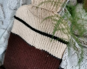 2 L brown and beige cover or hot water bottle cover