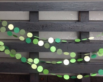 Green garland 1 inch scalloped circle. Birthday party decoration, Paper garland.