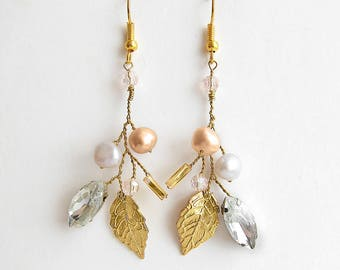 Gold wedding earrings Wedding leaf earrings Pearl chandelier earrings Gold Bridal earrings Twig earrings Branch earrings Blush pink earring