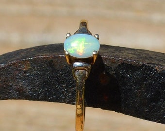 Dainty 9ct Gold Opal Ring, Vintage