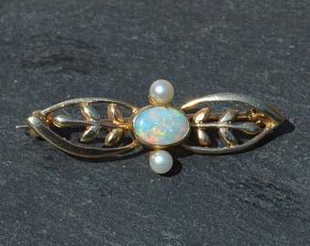 9ct Gold Opal and Pearl Brooch