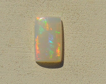 Loose Australian Crystal Opal Cabochon 1.9 cts