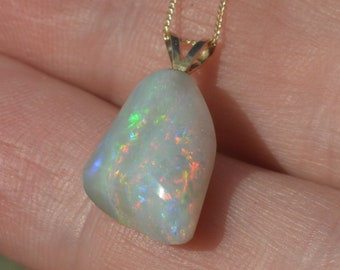 Australian Crystal Opal and 18ct Gold Pendant, 6.3Carats