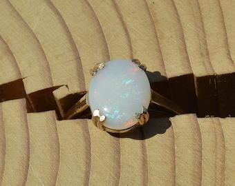 9ct Opal Ring, Single Stone