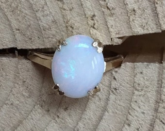 9ct Opal Ring, Single Stone