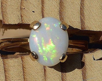 9ct Gold Australian Opal Ring