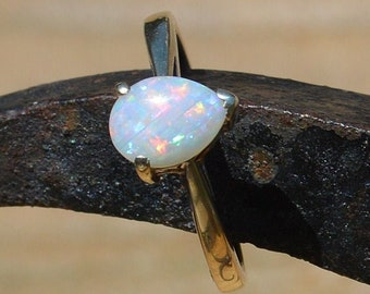 9ct White Gold Opal Ring. Australian Teardrop Opal