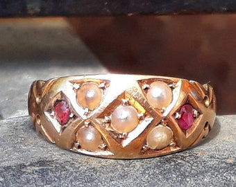 Antique Ruby and Seed Pearl Ring, 15ct Gold
