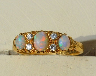 Antique 18ct Gold Opal and Diamond Ring, Exquisite