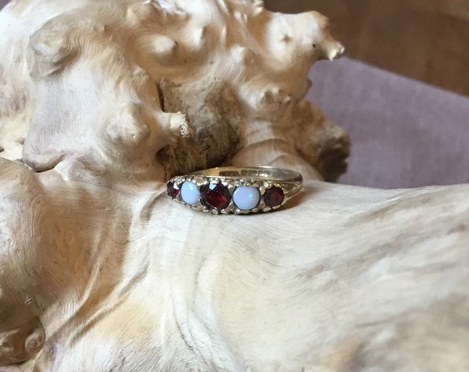 9ct Opal and Garnet Ring, Vintage