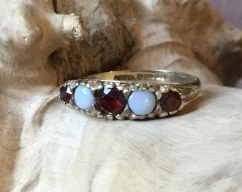 9ct Opal and Garnet Ring