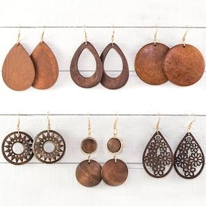 Womens wood jewelry set \u2022 Wooden pendant \u2022 Wooden earrings \u2022 Zebrano \u2022 Gift For Her \u2022 Valentine Gift \u2022  Valentine Gift For Her