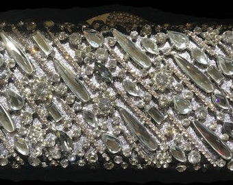 New Antique Silver With Gray and Clear  Austrian  Crystal  -Hard Shell Clutch Evening Minaudiere Handbag