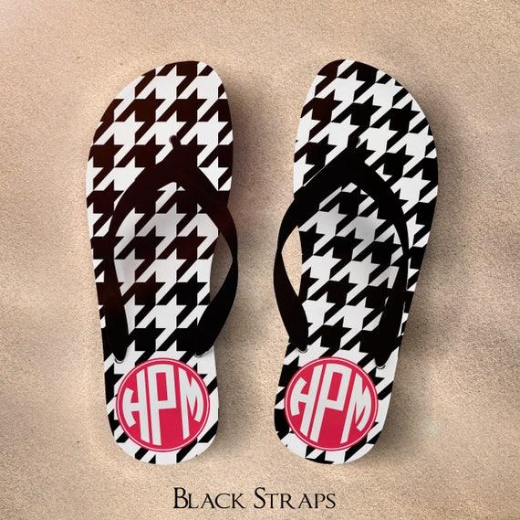 1c78e2606c3d36 Monogram Flip Flops Bridesmaid Flip Flops Personalized Flip