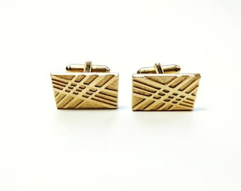 Vintage Signed Men's Gold Rectangle with Criss Cross Design Cuff Links