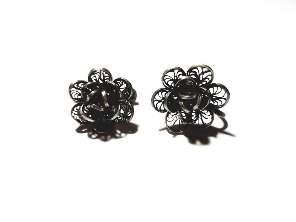8d0739b04 Vintage Silver Filigree Wire Flowers Screw Back Earrings | Etsy