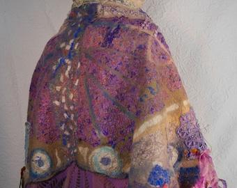 Wonderful Butterfly, textile art, Nuno Felt, wonderful shawl mérinos and silk, wearable art, Unique, mauve, lilac, blue, silk,