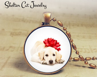 "Christmas Lab Puppy with a Red Bow Necklace - 1-1/4"" Circle Pendant or Key Ring - Christmas Puppy - Holiday Present or Gift for Dog Lover"
