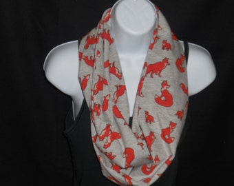 Fox Family on Heather Gray Cotton Jersey Blend Knit Fabric Infinity Scarf