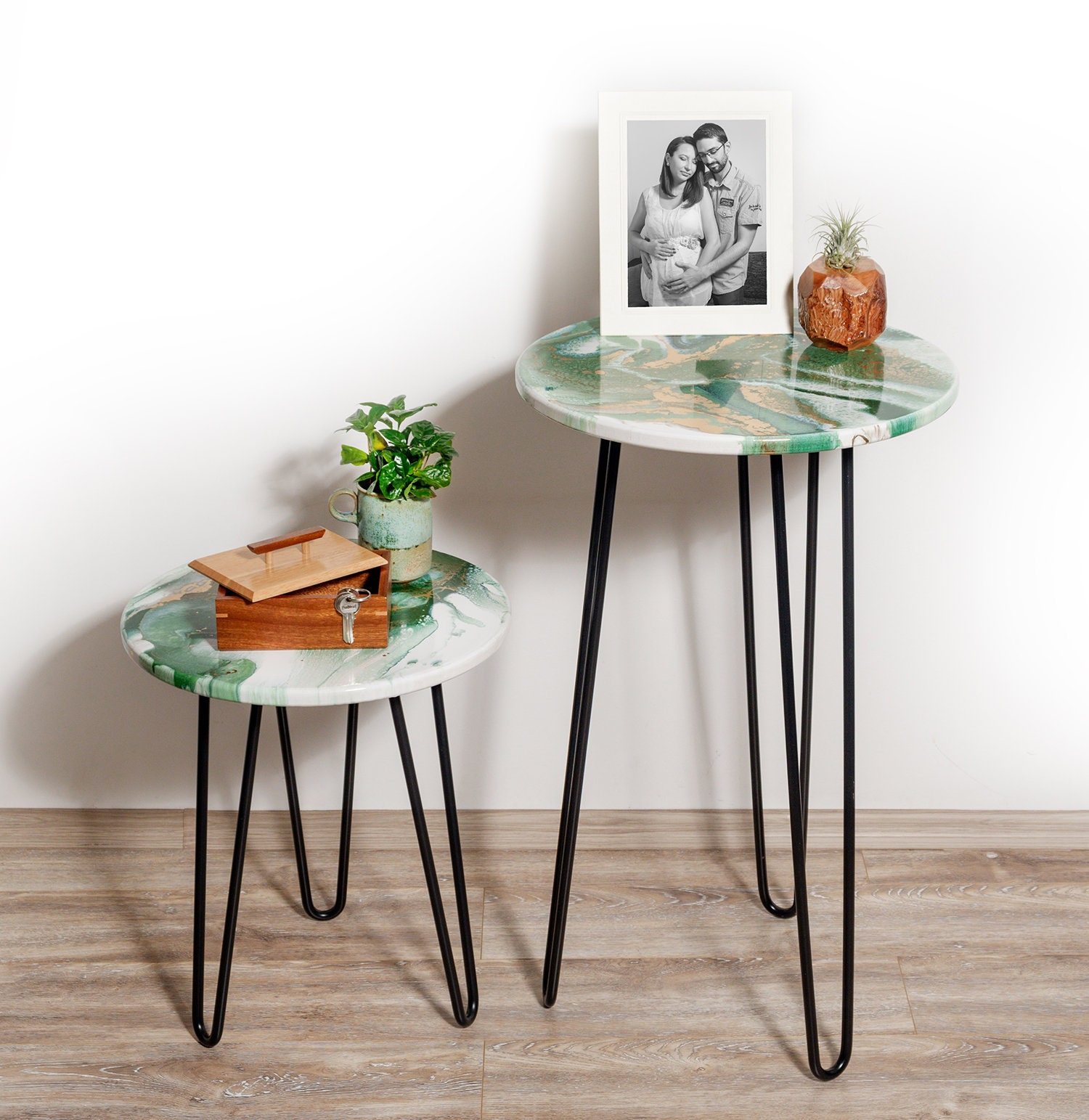 Picture of: Set Of 2 Resin Art Side Tables Modern Green And Bronze Coffee Tables Living Room End Table Set
