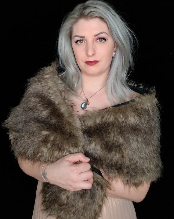FLEECE LINING - Faux fur scarf shawl wrap. Brown wolf faux fur. Rockabilly cover up, wedding bridesmaids shawl.