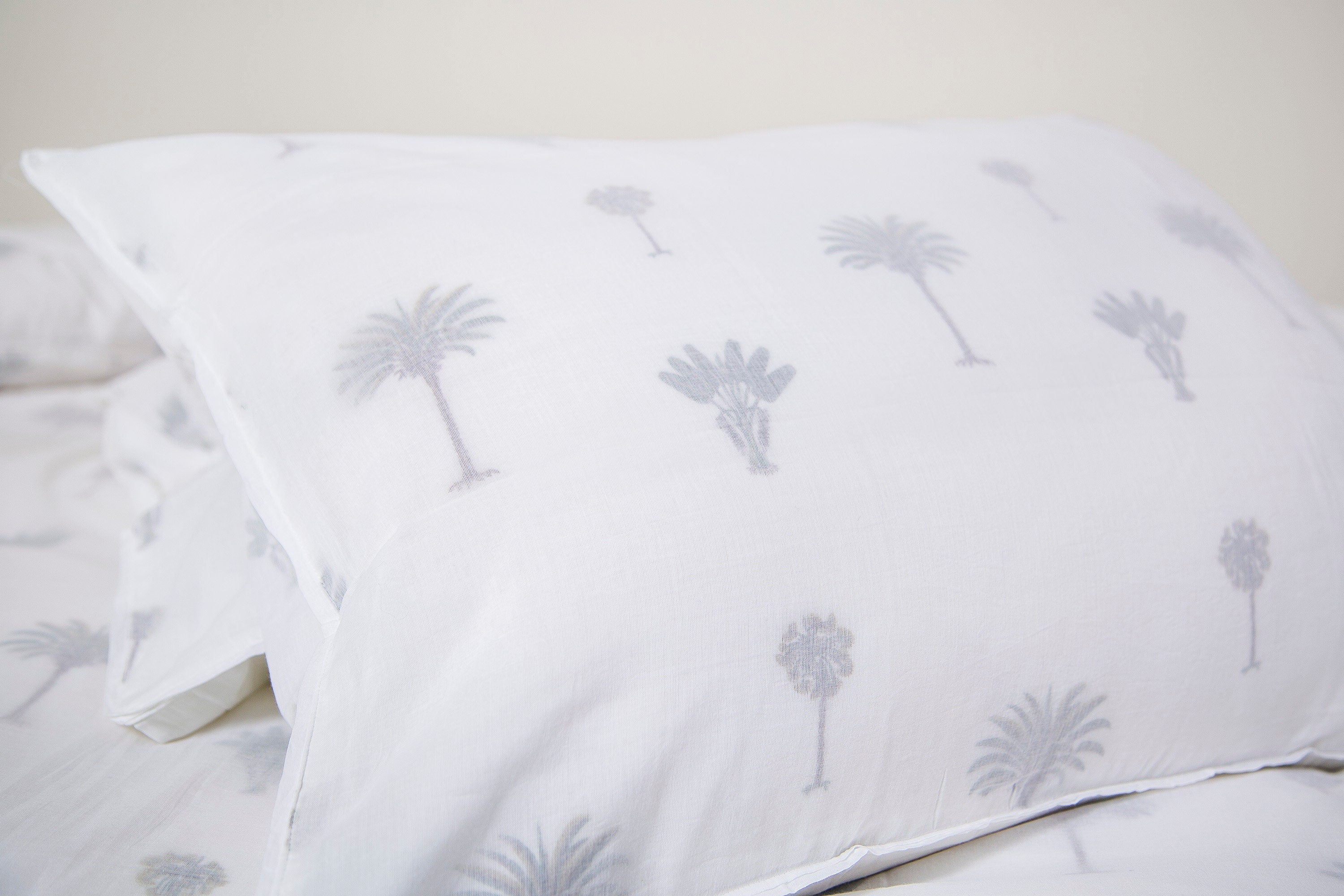 Khasto Luxury Bedding - Main made, ultra-soft Duvet Cover - Pillow Cases (Palm Print)