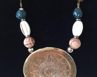 Vintage gold tone large pendant Necklace