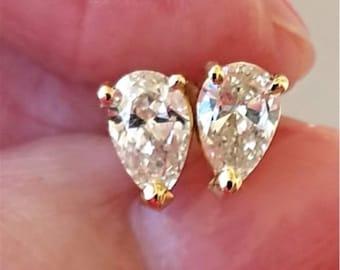 1 Carat Pear Shaped Diamond Stud Earrings - 14K Yellow Gold Tear Drop Diamonds