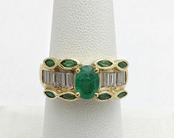 Natural Emerald Yellow Gold Ring with  Diamonds 14K Size 7, Resizable