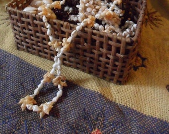Vintage 27 Inch White and Yellow Momi Lei Necklace