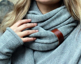 Alpaca wool infinity scarf with leather bracelet - knit light gray snood - knitted circle scarf - scarf for women