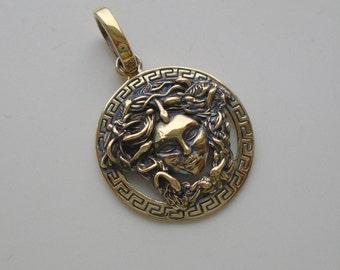 New exclusive pendant Medusa Gorgon head Necklace Medallion Greek Mythology brass