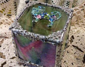 Beautiful Handmade Stained Glass Box - Pretty Kitty
