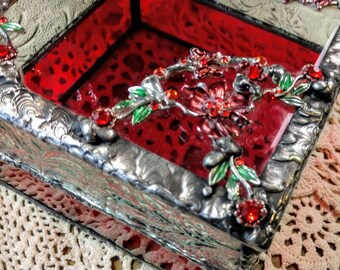 Beautiful Stained Glass Box - Red Floral