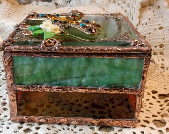 Beautiful Handmade Stained Glass Box - Dragonfly Dance