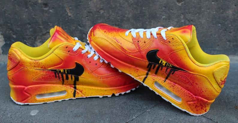 official photos c1646 5d61d Peint personnalisé Nike Air Max 90 Kill Bill Graffiti sang   Etsy