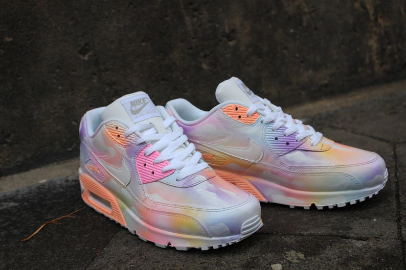new styles 9946a cd472 Coutume peint pastel Nike Air Max 90 nuageux rêve Art Style   Etsy