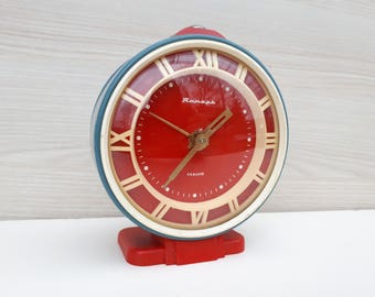 Vintage cool soviet alarm clock, table clock, working clock, red clock, alarm clock, gift idea, cccp clock, collector, home decor, cool