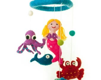 Mobile with small marine animals