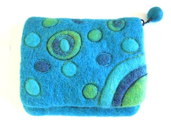 Hand-felted wallet with zipper and bubble